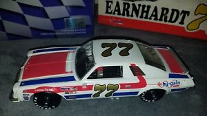Dale-Earnhardt-77-Hy-Gain-1976-Chevy-Malibu-BW-Bank-1-24-Action-in-Box