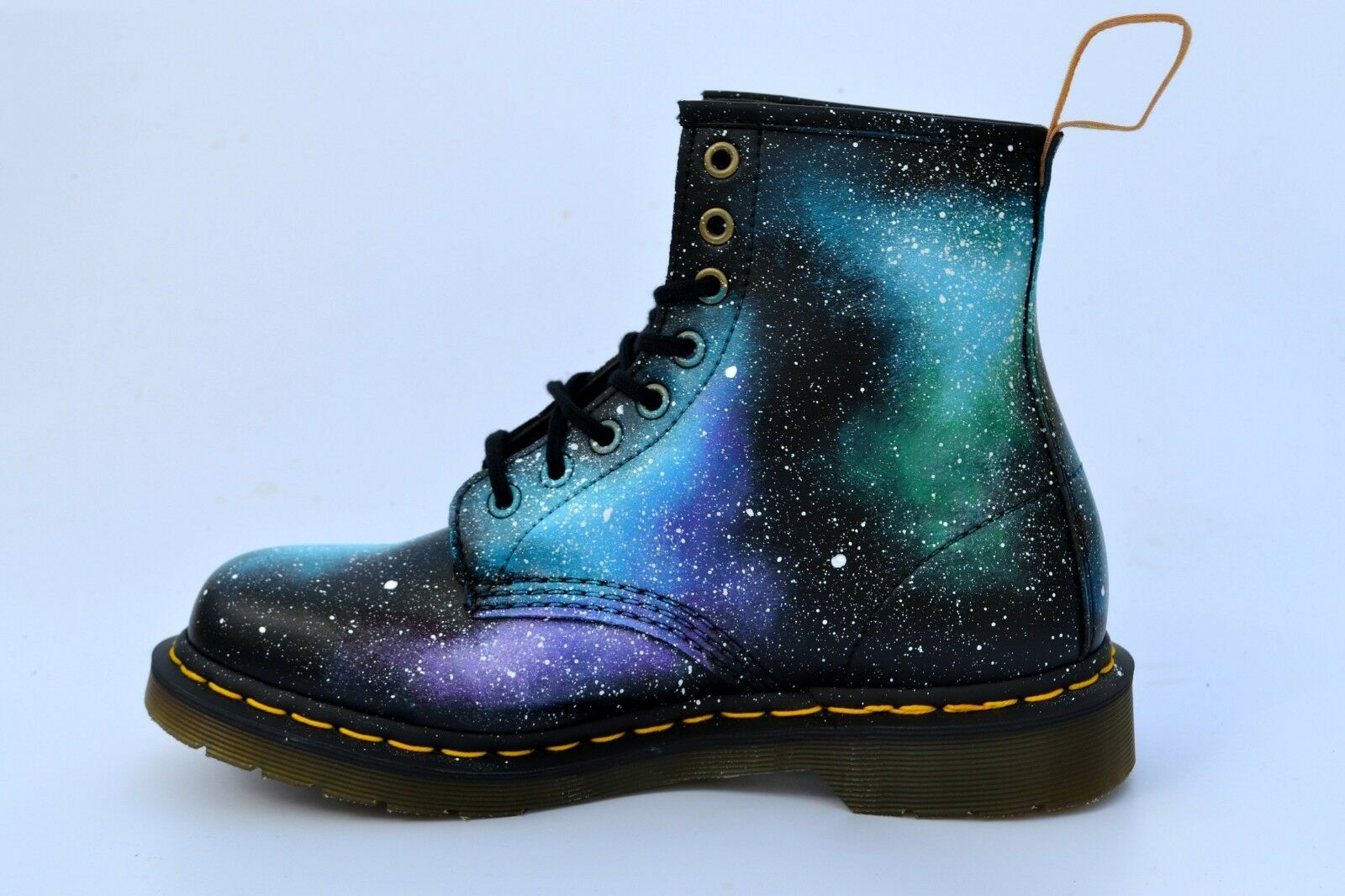 Galaxy Dr Martens Stiefel, Vegan 1460 Stiefel- Hand Painted to Order
