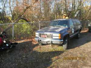2 1996 GMC Suburbans for sale