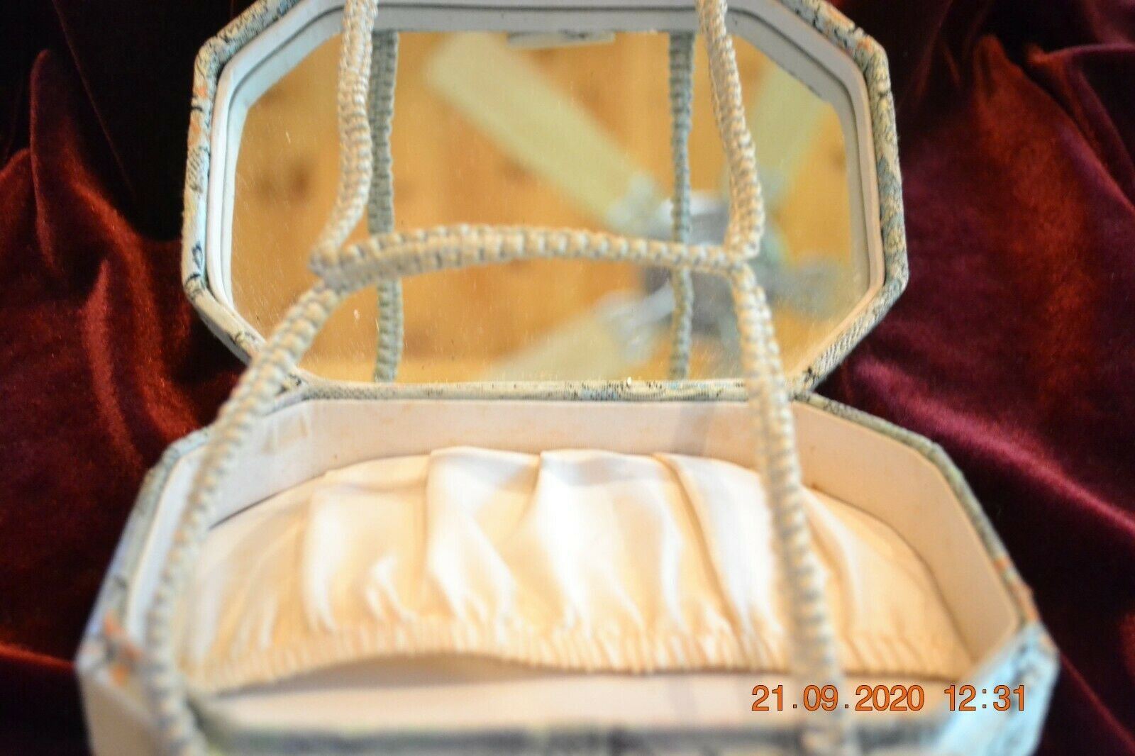 Vintage Oriental Silk Box Purse made in Hong Kong… - image 7