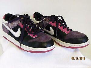new style 340d6 1a95d Details about EUC Nike 6.0 Ladies Black Purple Dunk Low Top Basketball  Tennis Shoes 314141 8