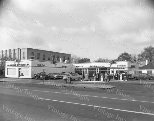 MOBILE GAS SERVICE STATION GARAGE MOBILEGAS PEGASUS Vintage PHOTO MAN CAVE