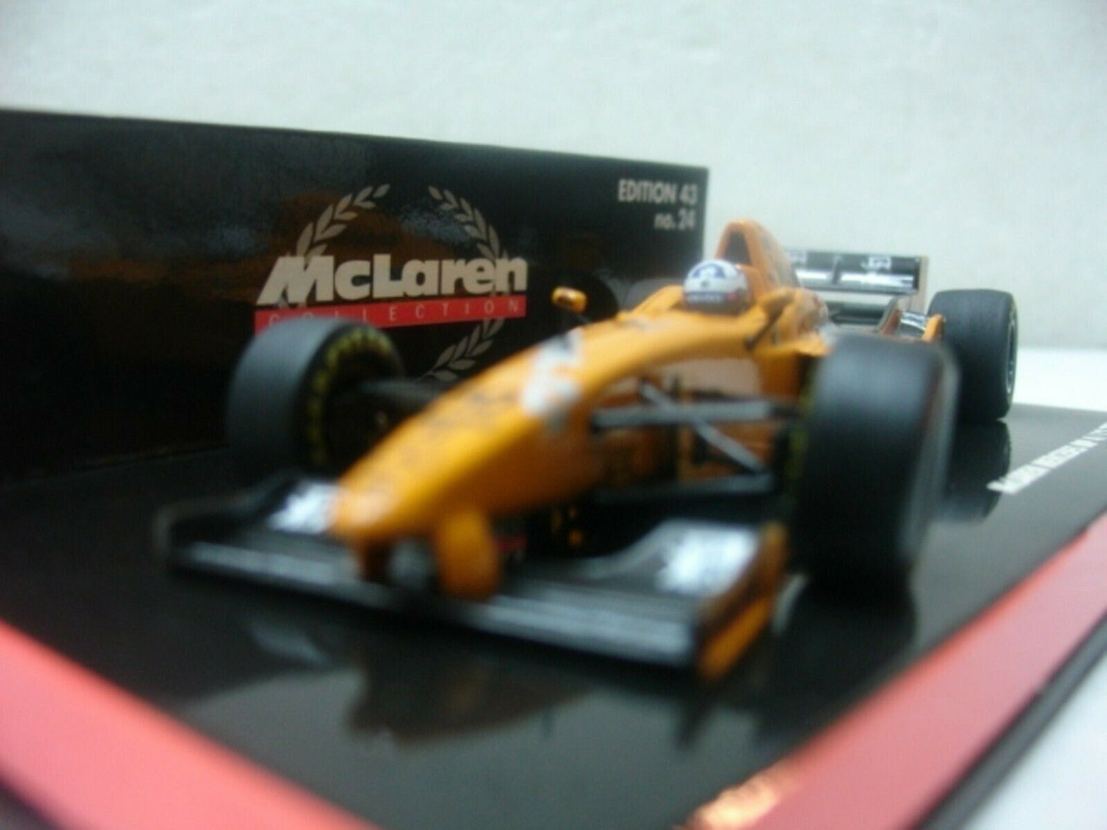 Wow extrêmement rare McLaren 1997 MP4 12 MB Coulthard Orange Jerez 1 43 Minichamps