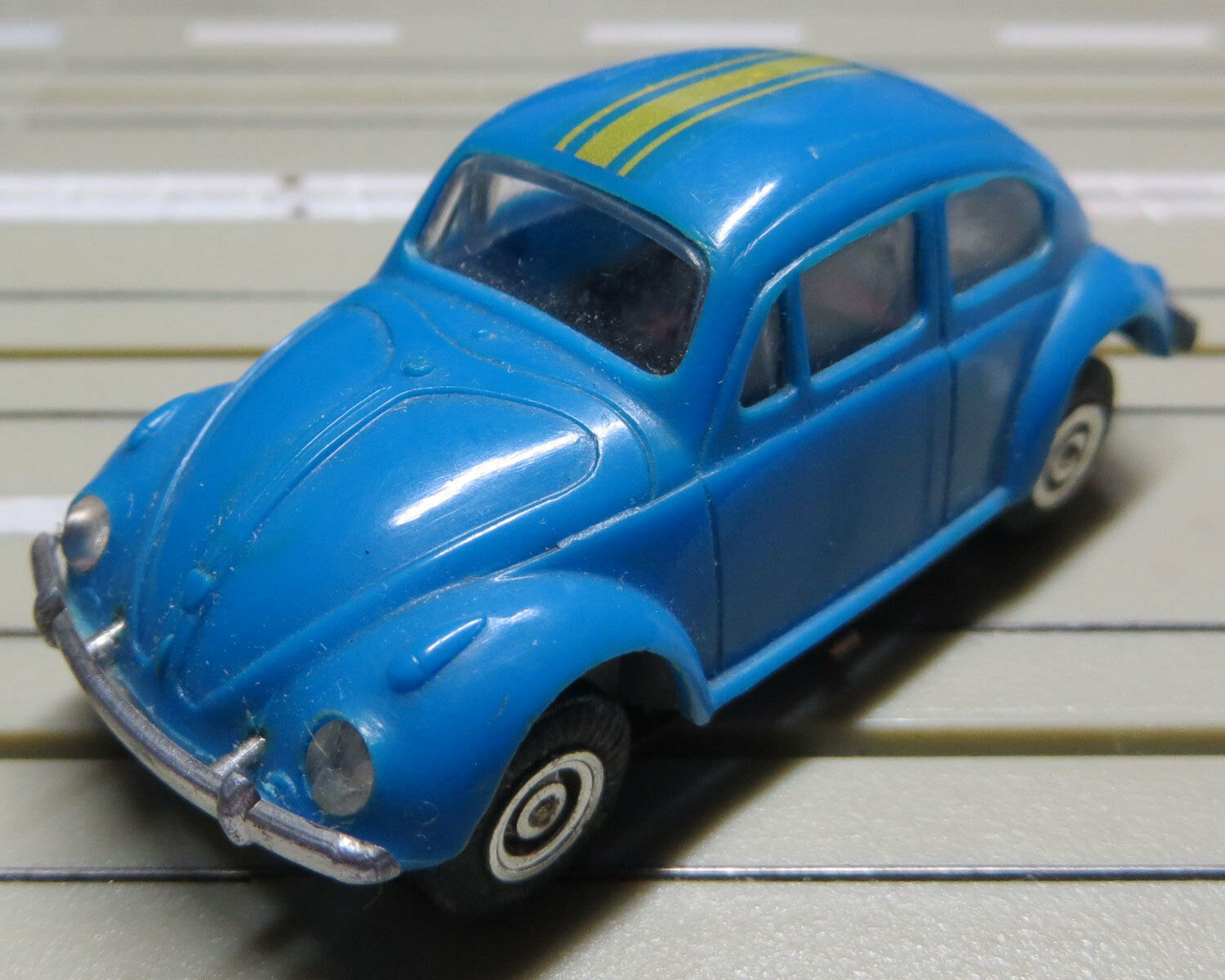 Faller Ams - VW Bug with Flat Chain Motor +8 New Repro Tyres