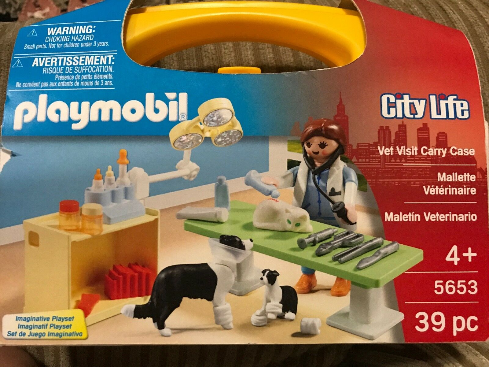 NEW Playmobile City Life Vet Visit Carry Case, ages ages ages 4+ af86c9