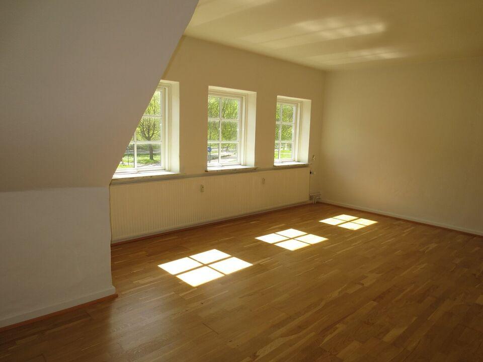8500 vær. 2 lejlighed, m2 69, Aksel H Hansens Pl