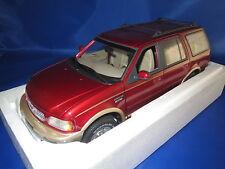 UT Models  22711 Ford Expedition Eddie Bauer Version  (rot-metallic) 1:18  OVP