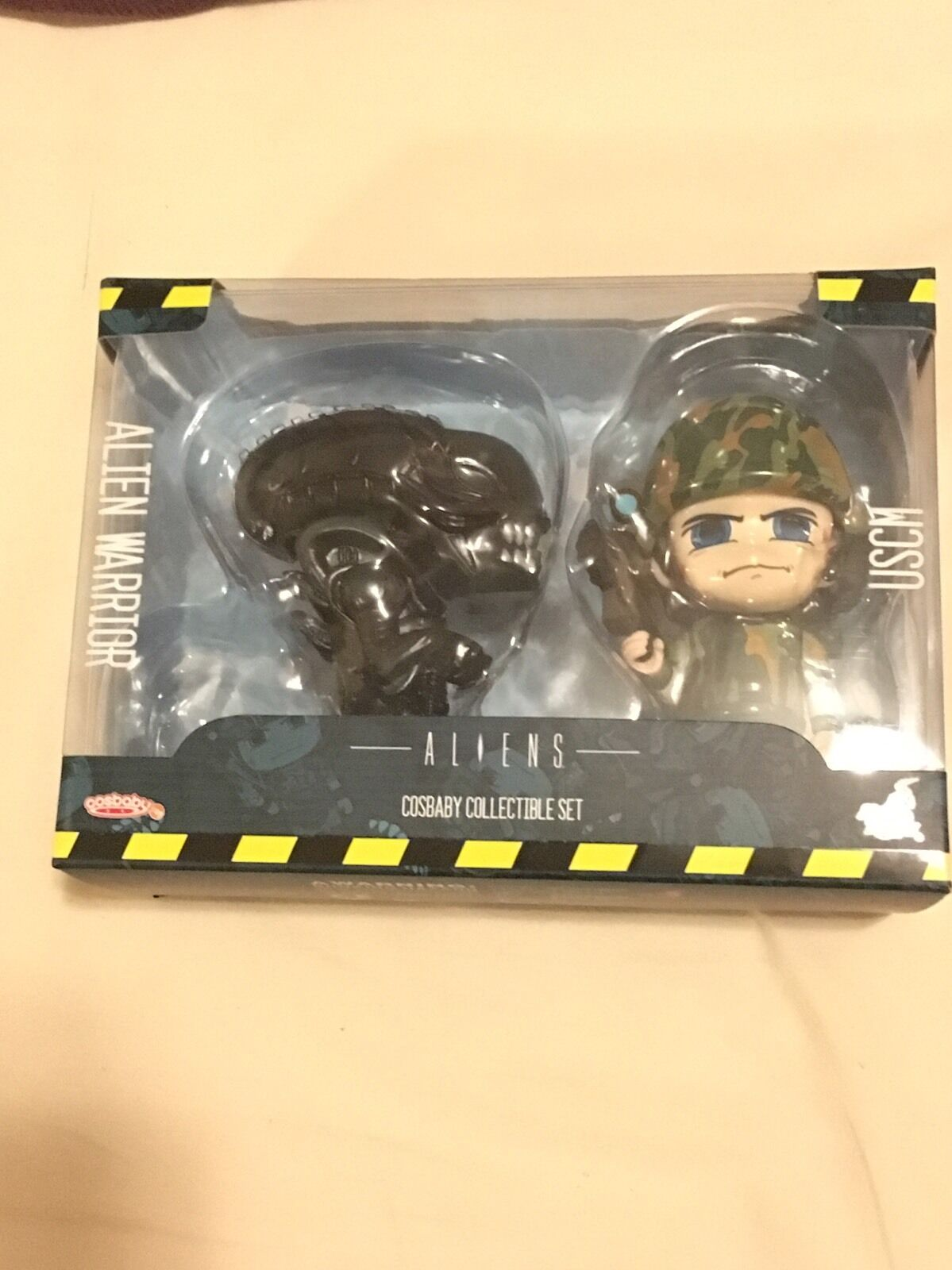 Hot Toys Cosbaby - Aliens  Alien Warrior Marine Figurines. BRAND NEW AND SEALED