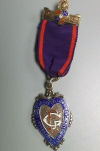 Vintage-Enamelled-Silver-Medal-Independant-Order-of-Odd-Fellows-Manchester-Unity