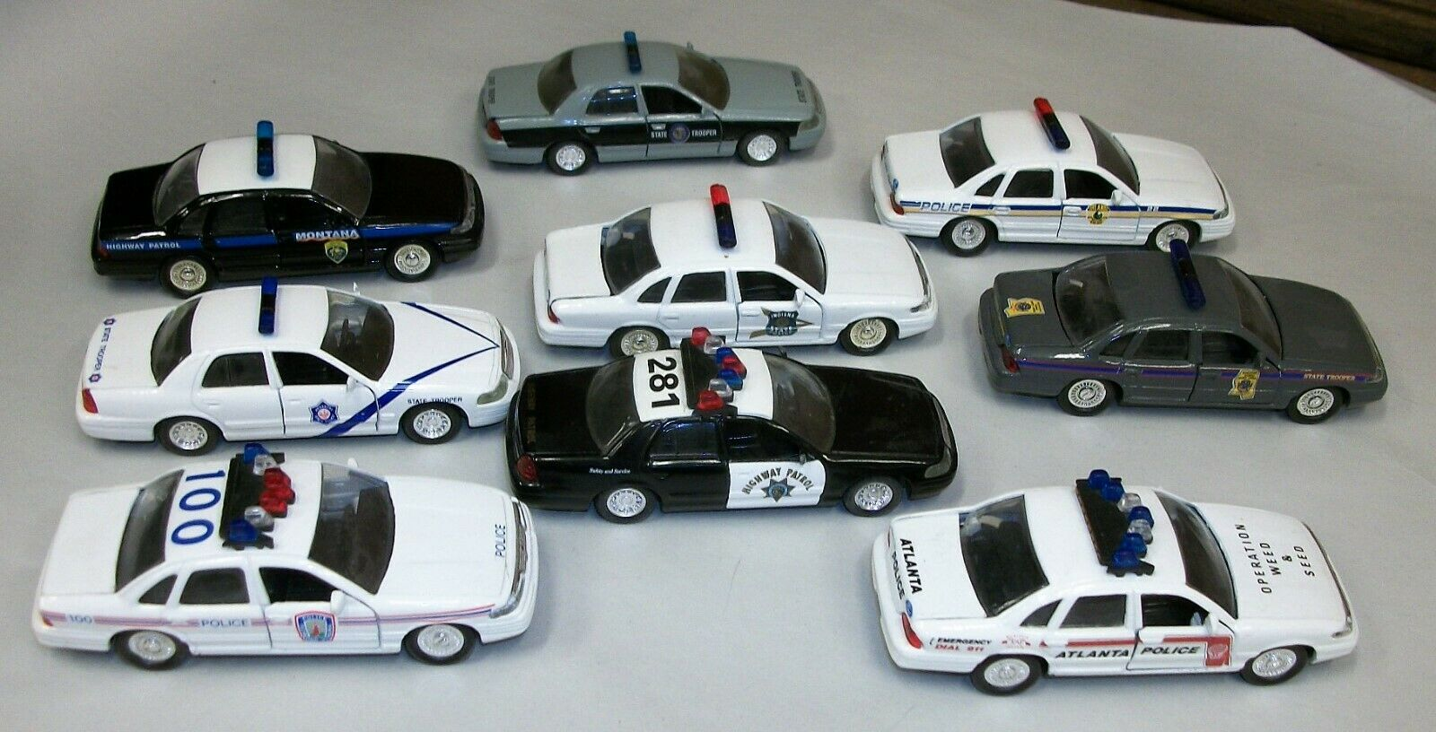 Lot 9 Vintag Road Champ 1 43 Die Cast Crown Victoria Assorted Police Cars