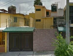 Fracc. Los Pirules - Casa en Tlalnepantla