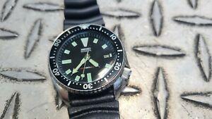 Seiko Automatic Black Vintage Men's Diver Watch 7002-7001