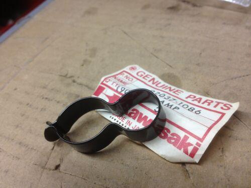 Cable Clamp for clutch  KZ550 D1 H1 H2  GPz550 GPz 550 92037-1086  NOS Kawasaki