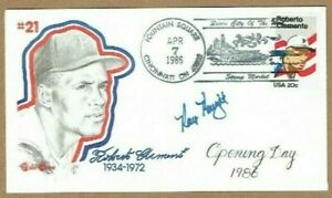 RAY-KNIGHT-MLB-BASEBALL-PLAYER-ORIGINAL-AUTOGRAPH-ON-ROBERTO-CLEMENTE-COVER