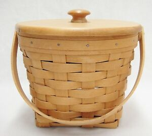 longaberger small round fruit basket with lid and swing handle 6 tall 1998 exc ebay. Black Bedroom Furniture Sets. Home Design Ideas