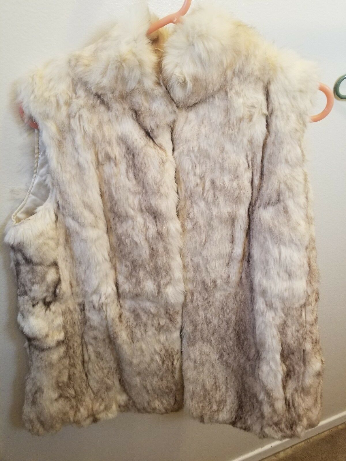 Pre-owned Dyed brown rabbit fur vest for women size small