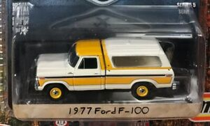 Greenlight Blue Collar Collection 1977 Ford F-100 with Topper 1:64 Scale 35120-D