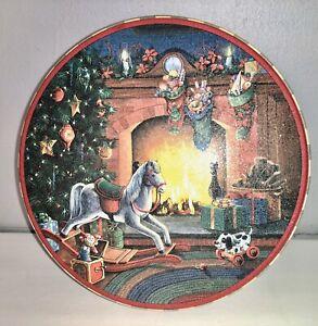 Gertrude Hawk Christmas Scene Round Tin Box Container Quilt Decorations Decor Ebay