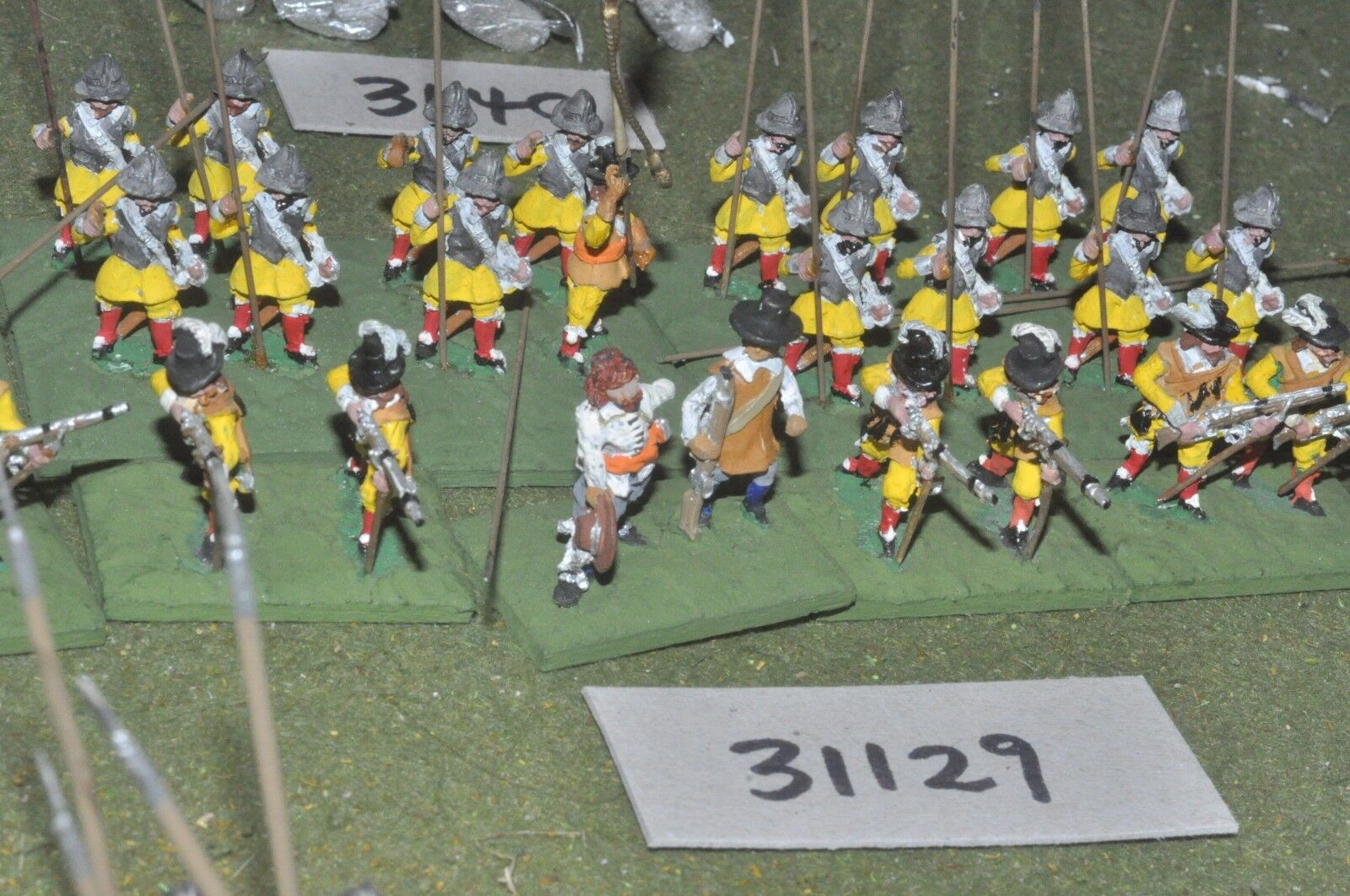 25mm ECW   royalists - pike & shot 30 figures - inf (31129)