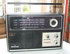 Vintage Crown Solid State Transistor Radio TRF-2800L