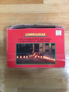 Vintage-10-C-9-Lights-Christmas-Walkway-Luminarias-Set-Red-Bags-30-Foot-Wire