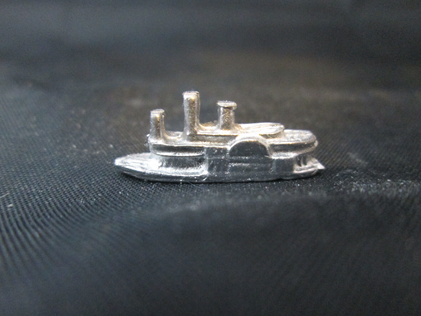 Dollhouse Miniature Unfinished Metal Toy Rowboat