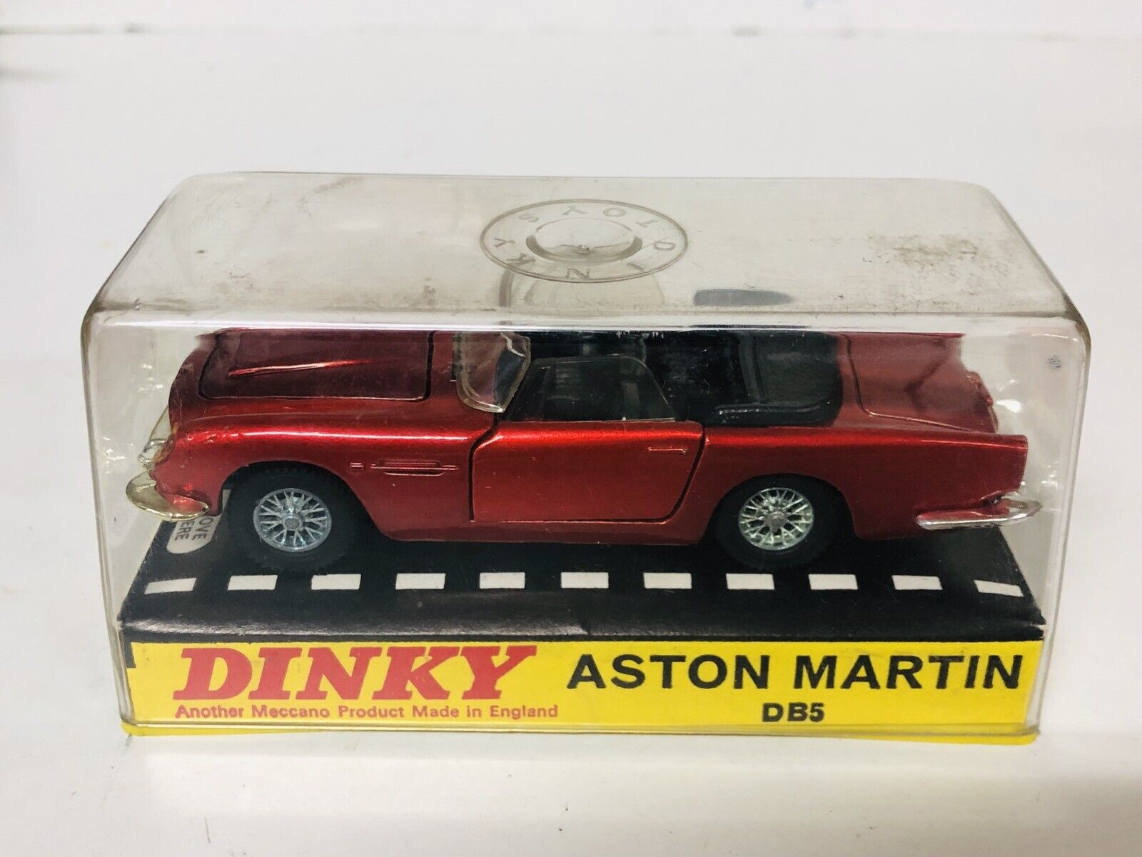 Dinky Toys Meccano ASTON MARTIN DB5 ALL ORIGINAL MADE IN ENGLAND