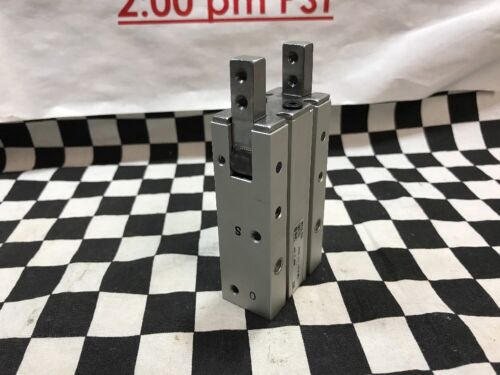 MHY2-20D Shipsameday#1327A2 SMC gripper angular 180 degree MHY220D