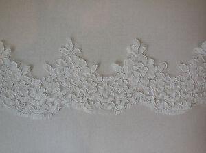 VINTAGE-STYLE-IVOIRE-floral-bordure-dentelle-Nuptial-Mariage-robe-peryard