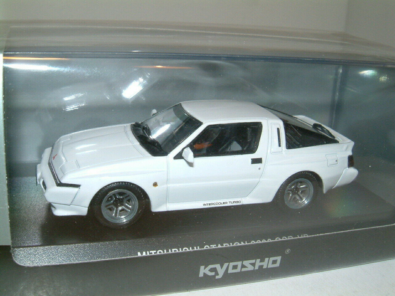 1 43 MITSUBISHI STARION 2600 GSR-VR WIDEBODY IN WHITE .  KYOSHO