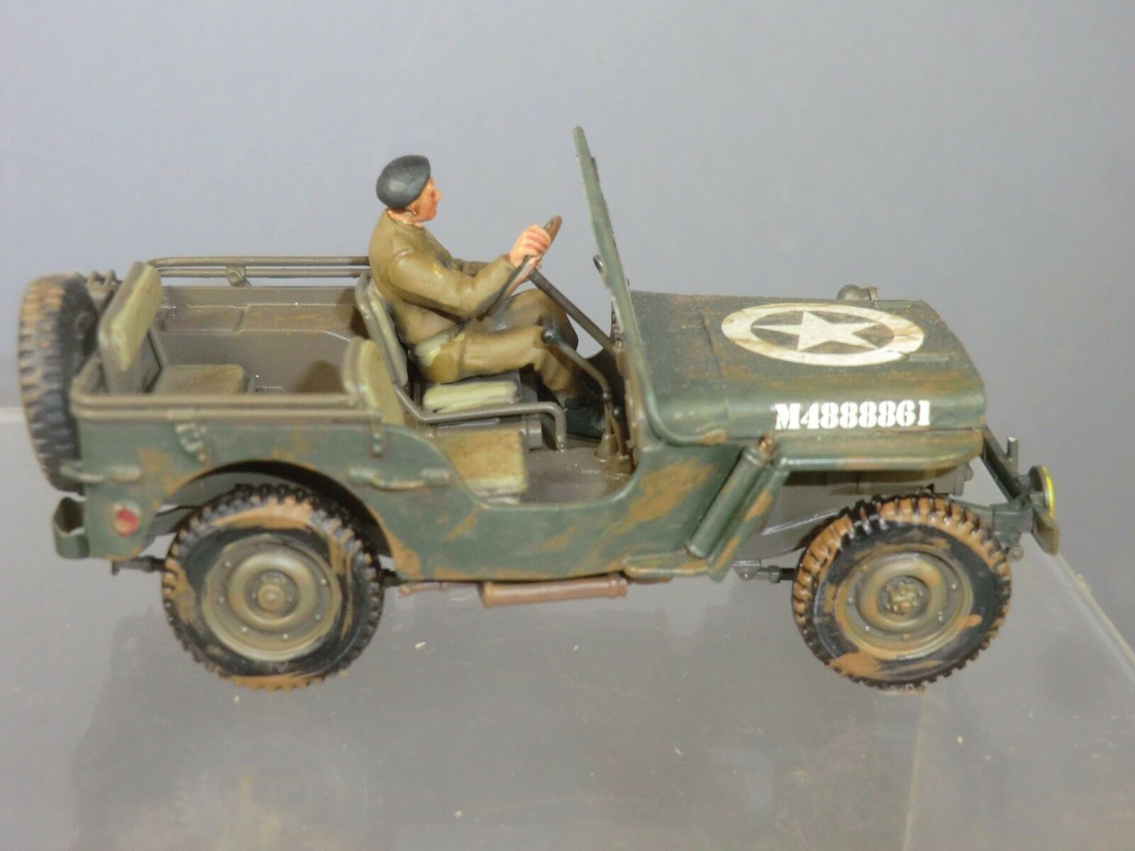 SUPERB DETAIL KIT BUILT TAMIYA MODEL BRITISH  ARMY  MILITARY POLICE  JEEP