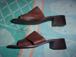Connie BROWN SANDALS WOMEN'S SIZE 9 M