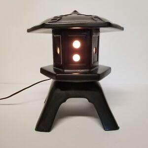 Vintage-Pagoda-Lamp-Night-Light-Mid-Century-Asian-Black-Ceramic-10in