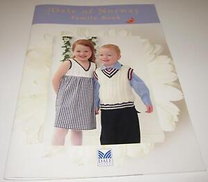 DALE-of-NORWAY-FAMILY-knitting-pattern-book-8402-with-13-designs