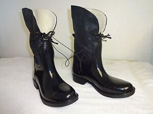 Womens Black Rubber Ankle Boots Rain Boots Merona Size 7 ,free shipping.