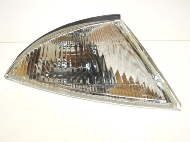 MITSUBISHI CARISMA  front right signal indicator lamp lights RH