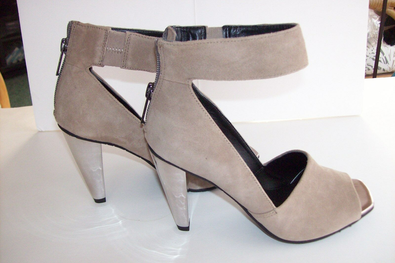 KENNETH COLE REACTION  PEEP RISE TAUPE HIGH HEEL SHOE SHOE HEEL 6 M c2d150
