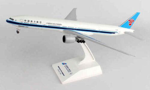 China Southern Boeing 777-300ER 1:200 SkyMarks SKR888A Flugzeug Modell B777 NEU