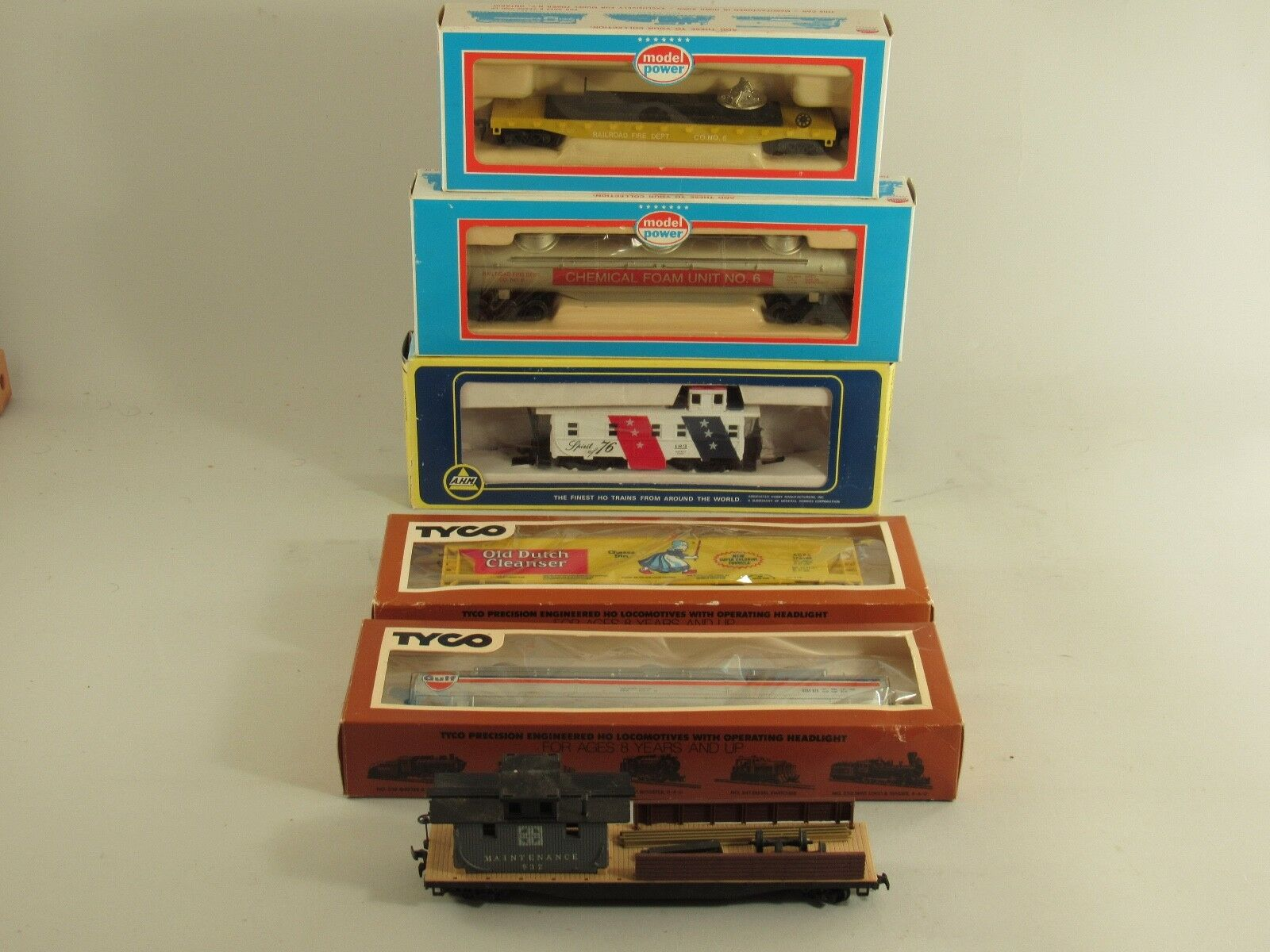 Vintage Mixed Lot Of 6 HO Scale Railroad Cars