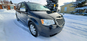 2009 Chrysler Town & Country Touring Stow n' Go
