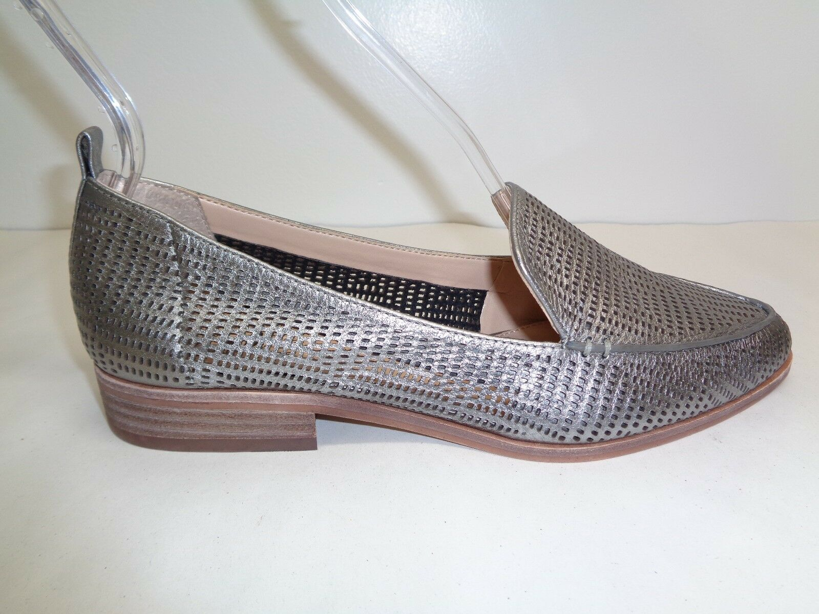 Vince Camuto Size Size Size 8.5 M KADE Silver Perforated Leather Loafers New Womens shoes ea6f73