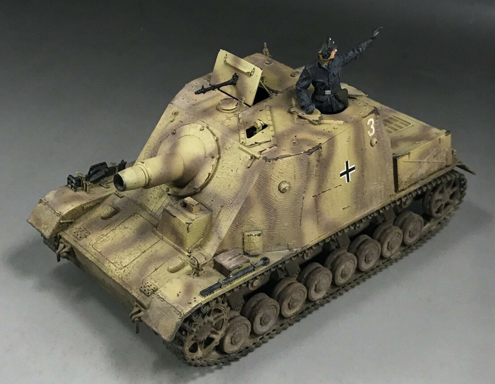 1 35 Built Dragon 6892 WWII German  Brummbar  SPG w Zimmerit Mid-production
