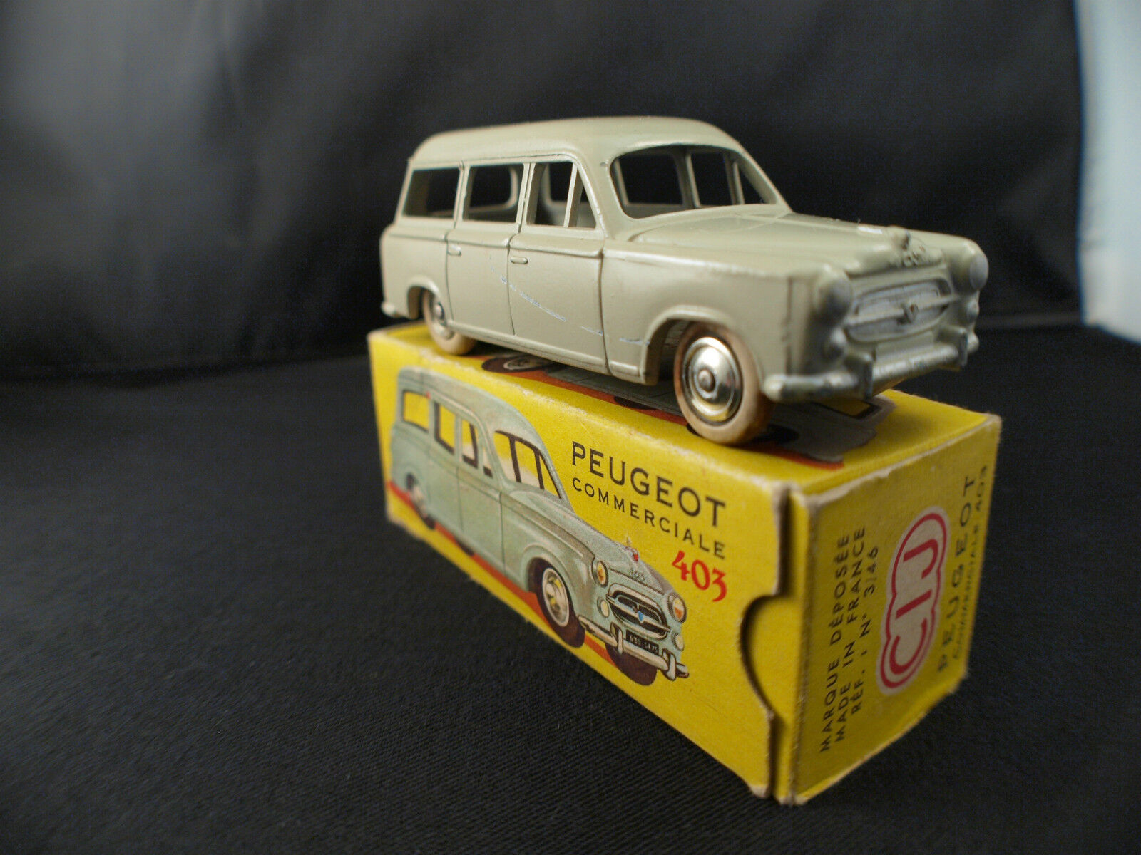 Cij Francia 3 46 Peugeot 403 Premi commerciale;re Versione in scatola