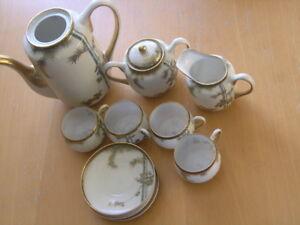 Antique-12pc-Signed-Satsuma-Presentation-Tea-Set-Hand-Painted-Gilt-Bamboo-Leaves