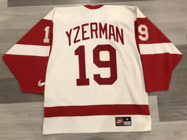 Nike Steve Yzerman Detroit Red Wings White NHL Hockey Jersey Sz Medium