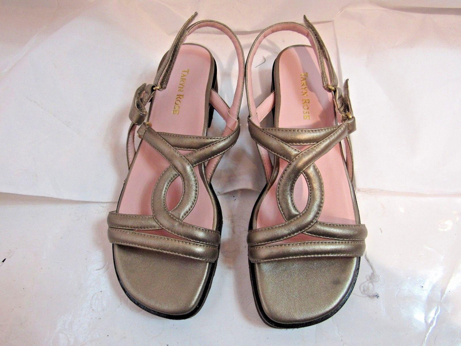 Taryn Rosa Pewter Open Toe Sandal Größe 7