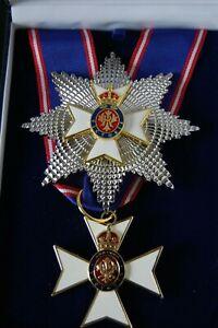 GRAND-KNIGHT-COMMANDER-VICTORIAN-ORDER-NECK-BADGE-amp-BREST-STAR-AND-CASE