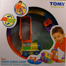 TOMY PRODUCED CHOO CHOO LOOP BATTERY POWERED PLASTIC TRAIN SET FOR CHILDREN 18M+