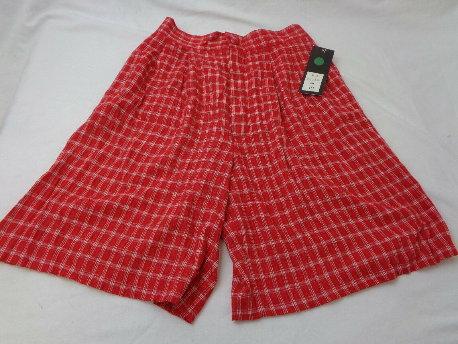 Ellen Figg Red Plaid Women's Shorts Size 10--NWT