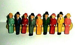 Märklin Spur 0 - neun sitzende Figuren - Bitte anschauen